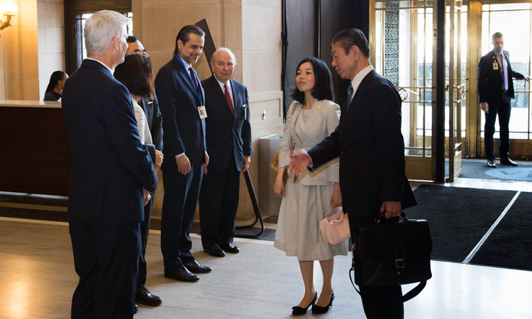 DIAご到着時、理事長、館長、日本総領事ご夫妻、JBSD基金理事長らの出迎えを受ける三笠宮彬子女王様