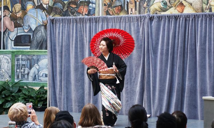 2017年ひな祭りでの花柳名取の小山みち江師匠による日本舞踊