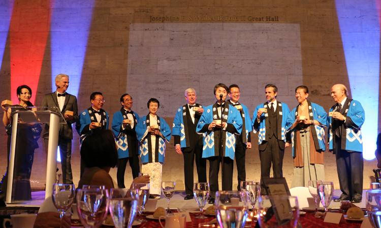 2017年11月の日本ギャラリー内覧晩餐会での太田豊田市長の乾杯の音頭